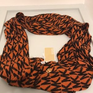 Michael Kors Accessories - NWT!! Michael Kors neck wrap!!